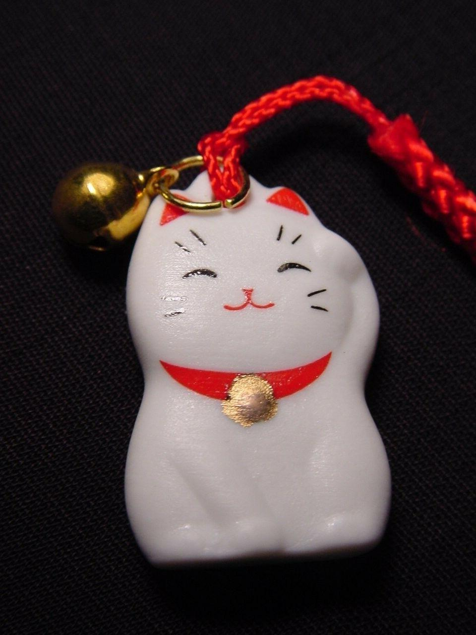 maneki neko beckoning cat cell phone strap